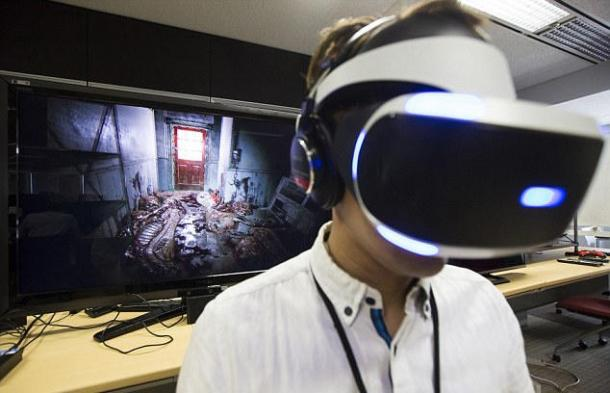 The reaction of the players on the VR version of the demo for Resident Evil 7 Resident Evil 7